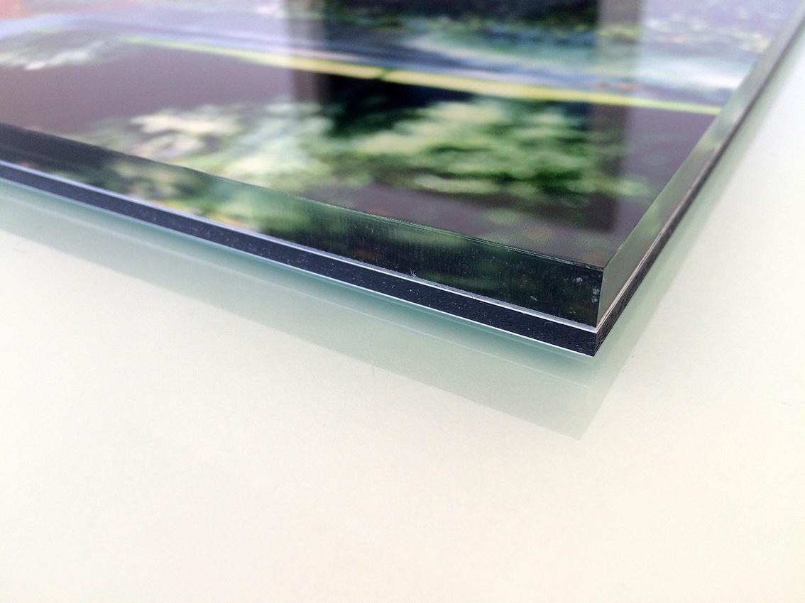 Firmenschild aus Glas, bedruckt mit Bild